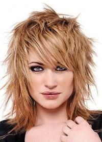 стрижки для обсягу на середні волосся 8
