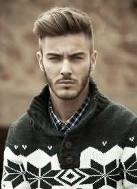 Чоловічі зачіски з поголеними скронями.