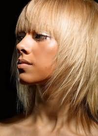 зачіски стрижки для тонкого волосся 19
