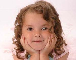 Догляд за дитячими волоссям до року