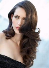 Нарядні зачіски на довге волосся