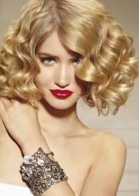 Спосіб швидкого укладання середніх волосся.