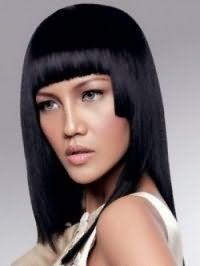 Ідея стрижки градуйовані каре з прямою чубчиком для густих чорних волосся