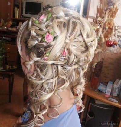 Весільна зачіска для довгого волосся