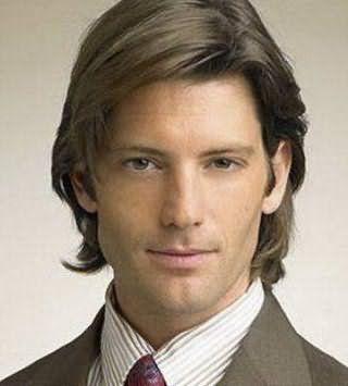 Подовжена чоловіча зачіска