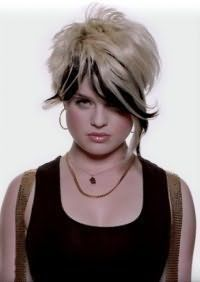 Зачіска з чубчиком для круглого особи