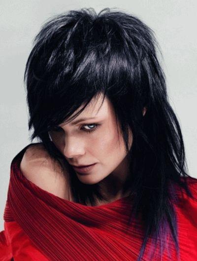 Стрижка каскад на волосся середньої довжини