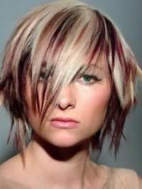 Стрижка каскад з мелірування для середніх волосся і трикутної форми обличчя